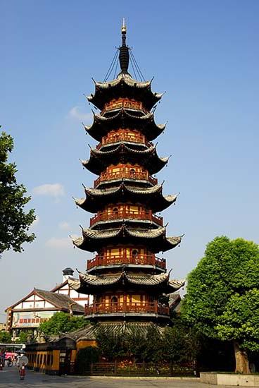 Use Policy >> 上海古塔图片,龙华寺塔,古建筑拍摄,古镇老街摄影图片,古城摄影图片,水乡古镇图片